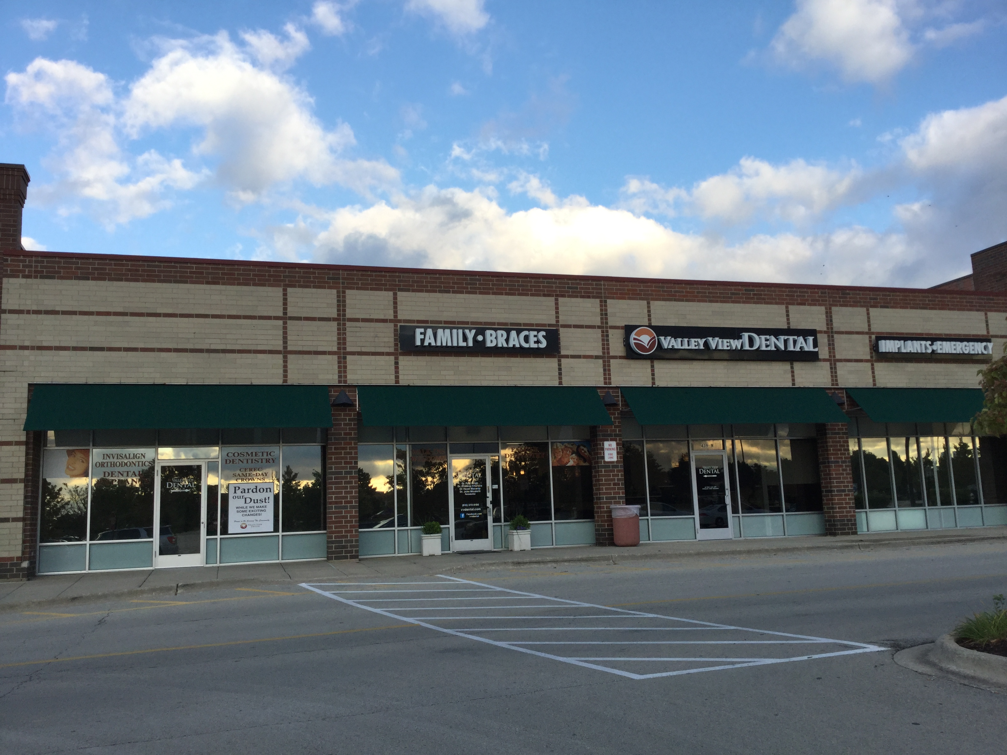 Valley View Dental reviews | 441 N Weber Road - Romeoville IL